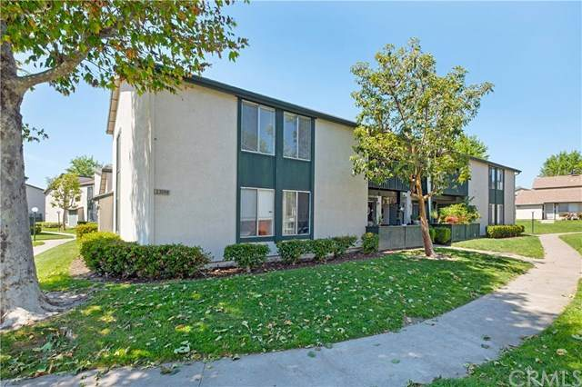 23268 Orange Avenue #4, Lake Forest, CA 92630 (#OC20084937) :: Faye Bashar & Associates