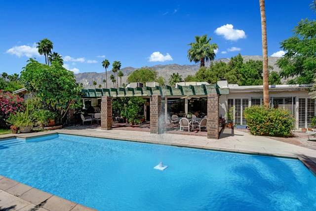 1228 E San Lorenzo Road, Palm Springs, CA 92264 (#219042683PS) :: Go Gabby