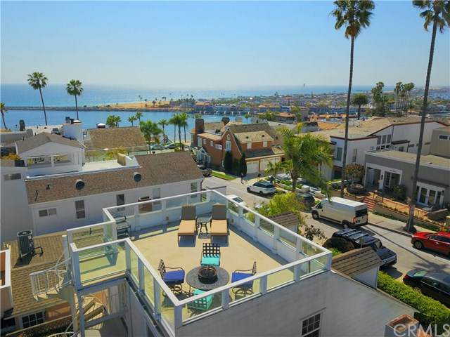 216 Fernleaf Avenue, Corona Del Mar, CA 92625 (#LG20088156) :: Sperry Residential Group