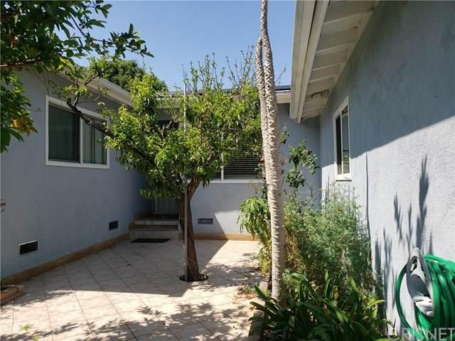 15809 Bassett Street, Lake Balboa, CA 91406 (#SR20089440) :: The Veléz Team