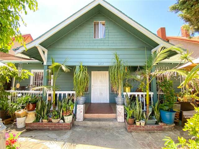 1411 S Kenmore Avenue, Los Angeles (City), CA 90006 (#SR20092982) :: The Laffins Real Estate Team