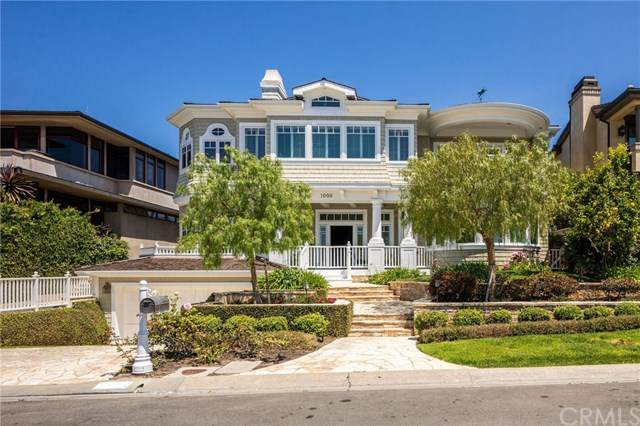 1000 Kings Road, Newport Beach, CA 92663 (#SB20082440) :: Sperry Residential Group