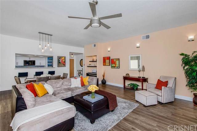 12030 Valleyheart Drive #102, Studio City, CA 91604 (#SR20094607) :: Rogers Realty Group/Berkshire Hathaway HomeServices California Properties