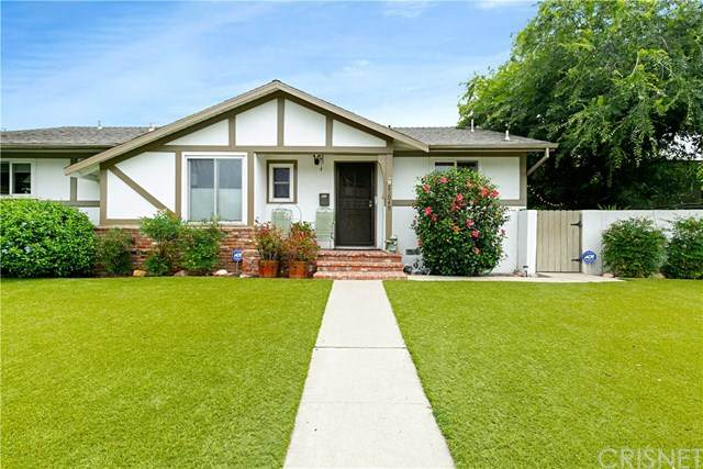 23049 Victory Boulevard, West Hills, CA 91307 (#SR20096407) :: Faye Bashar & Associates
