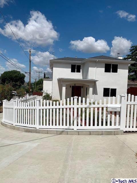 10303 Pinyon Avenue, Tujunga, CA 91042 (#320001640) :: Rogers Realty Group/Berkshire Hathaway HomeServices California Properties