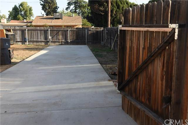 4786 Dewey Avenue, Riverside, CA 92506 (#AR20094374) :: The DeBonis Team