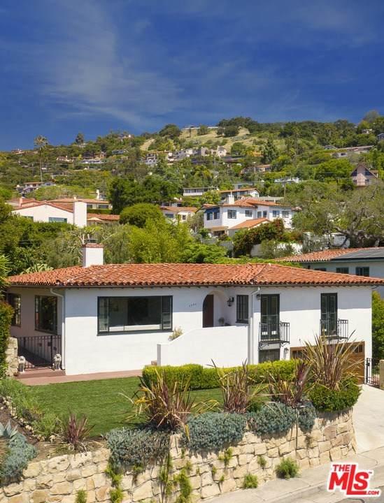 1221 Diana Lane, Santa Barbara, CA 93103 (#20581672) :: Team Tami