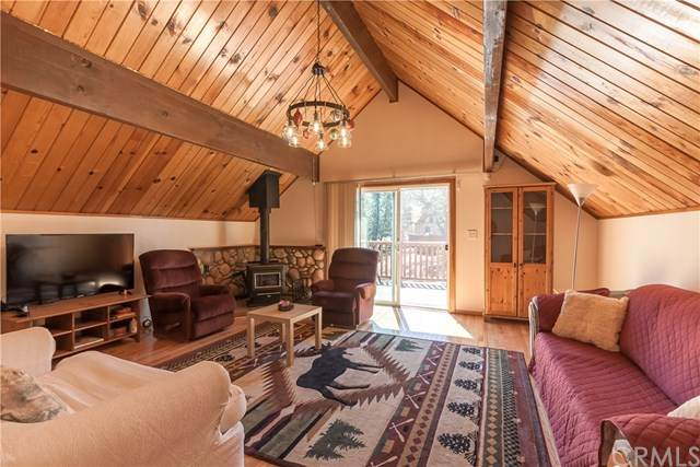 1298 Luna Road, Big Bear, CA 92314 (#EV20098394) :: The Costantino Group | Cal American Homes and Realty