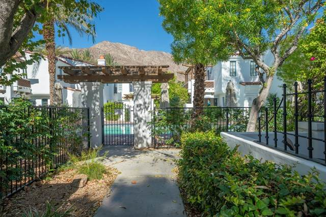 77338 Vista Flora, La Quinta, CA 92253 (#219043378DA) :: The Najar Group