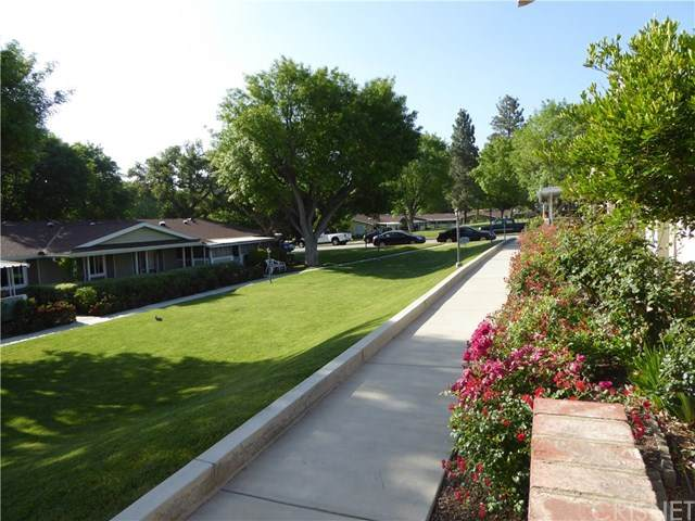 19163 Avenue Of The Oaks A, Newhall, CA 91321 (#SR20098817) :: RE/MAX Masters