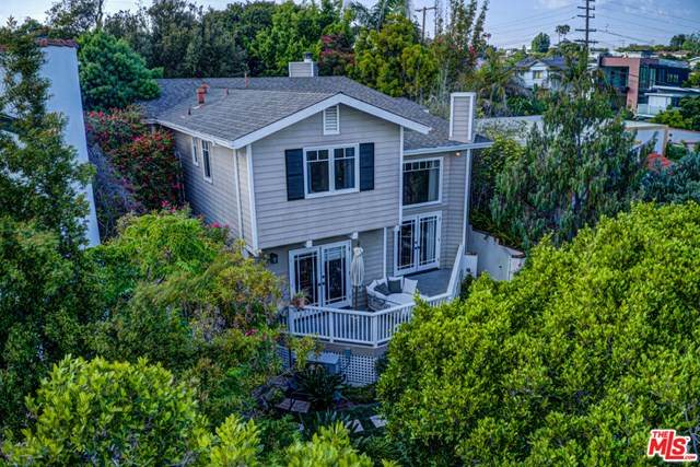1011 Pier Avenue, Santa Monica, CA 90405 (#20582328) :: Steele Canyon Realty