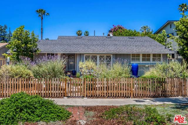 13225 Hartsook Street, Sherman Oaks, CA 91423 (#20582158) :: eXp Realty of California Inc.