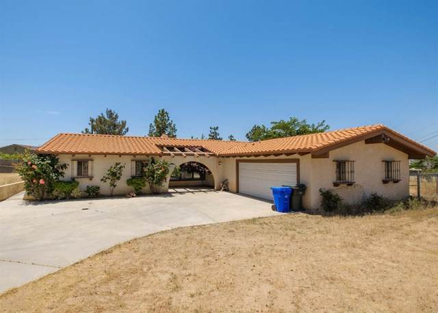 19477 Saint Timothy Lane, Apple Valley, CA 92307 (#524761) :: eXp Realty of California Inc.