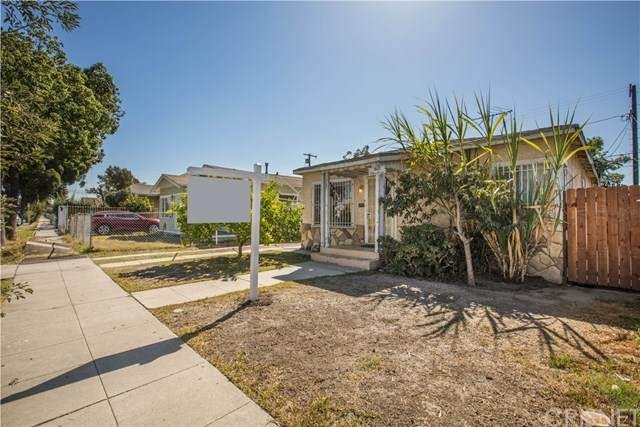 1522 W 65th Place, Los Angeles (City), CA 90047 (#SR20099307) :: The Laffins Real Estate Team
