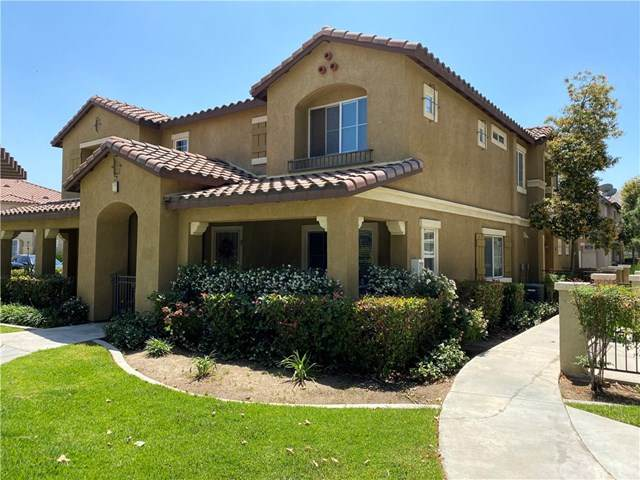 25830 Iris Avenue B, Moreno Valley, CA 92551 (#SW20100484) :: The DeBonis Team