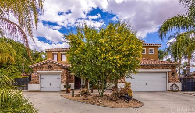 29655 Lochinvar Road, Highland, CA 92346 (#EV20099653) :: The Costantino Group | Cal American Homes and Realty