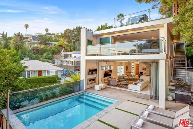 1544 N Doheny Drive, Los Angeles (City), CA 90069 (#20582996) :: The Najar Group