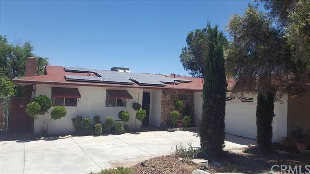 8261 Arcadia Avenue, Hesperia, CA 92345 (#CV20100821) :: The Costantino Group | Cal American Homes and Realty