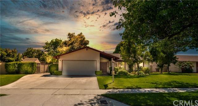 4620 La Paz Lane, Riverside, CA 92501 (#IG20100564) :: American Real Estate List & Sell