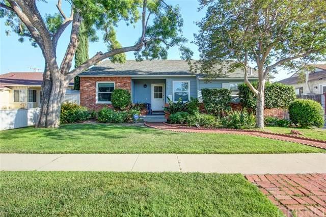 8147 Genesta Avenue, Lake Balboa, CA 91406 (#SR20098941) :: The Veléz Team