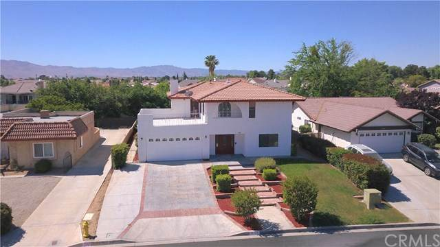 18005 Pebble Beach Drive, Victorville, CA 92395 (#CV20100438) :: Sperry Residential Group