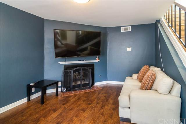 18411 Hatteras Street #238, Tarzana, CA 91356 (#SR20100878) :: The Costantino Group | Cal American Homes and Realty