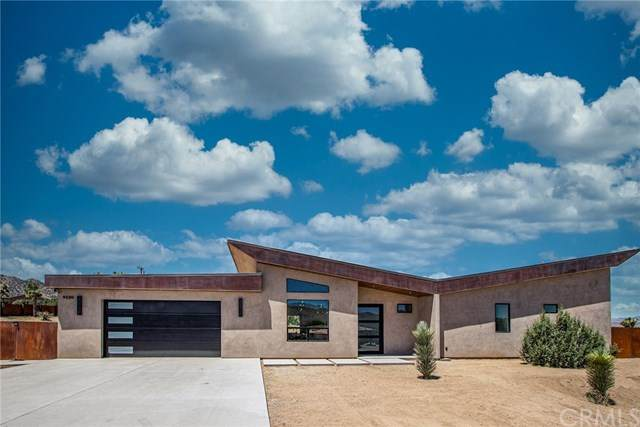 9220 Hermosa Avenue, Yucca Valley, CA 92284 (#JT20101256) :: Z Team OC Real Estate