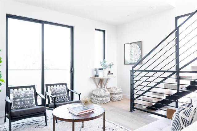 6355 N Elmer Avenue, North Hollywood, CA 91606 (#SB20101479) :: Allison James Estates and Homes