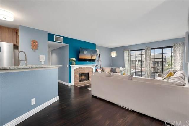 3681 S Bear Street J, Santa Ana, CA 92704 (#OC20057616) :: Faye Bashar & Associates