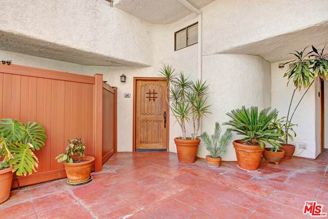 10926 Bluffside Drive #14, Studio City, CA 91604 (#20583760) :: The Costantino Group | Cal American Homes and Realty