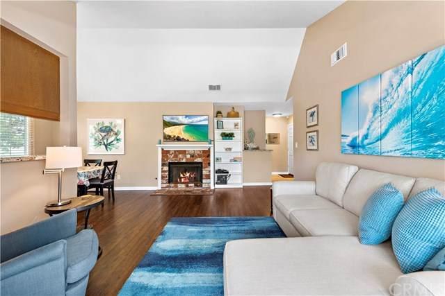 7821 Essex Drive #202, Huntington Beach, CA 92648 (#OC20101663) :: Brandon Hobbs Group