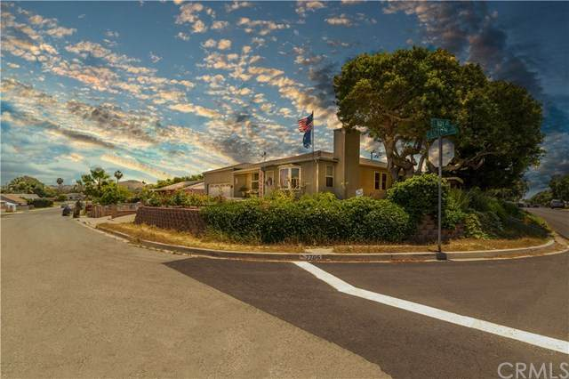 7705 Canton Drive, Lemon Grove, CA 91945 (#SW20100080) :: The Najar Group