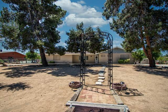 58271 Anaconda Drive, Yucca Valley, CA 92284 (#219043617PS) :: The Costantino Group | Cal American Homes and Realty