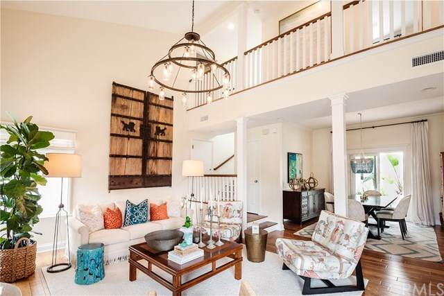 555 25th Street, Hermosa Beach, CA 90254 (#SB20099555) :: The Costantino Group | Cal American Homes and Realty