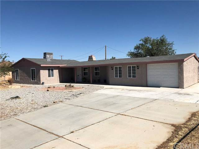 21882 Arapahoe Avenue, Apple Valley, CA 92307 (#PW20102521) :: Mark Nazzal Real Estate Group
