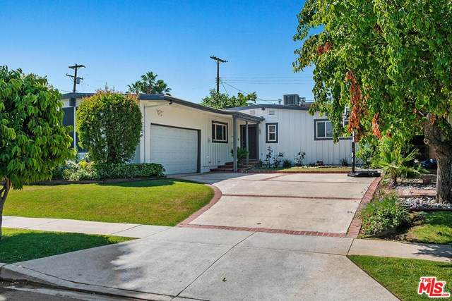 17218 Bullock Street, Encino, CA 91316 (#20582322) :: The Najar Group