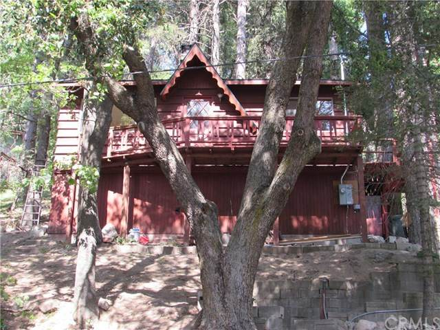 895 Chamois Drive, Lake Arrowhead, CA 92325 (#EV20103488) :: The Costantino Group | Cal American Homes and Realty
