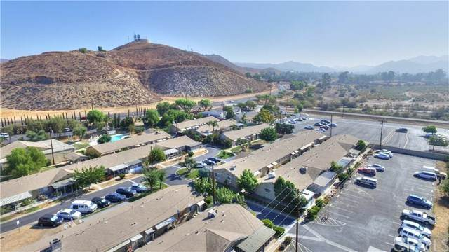 150 E Lakeshore Drive #26, Lake Elsinore, CA 92530 (#SW20103515) :: Camargo & Wilson Realty Team