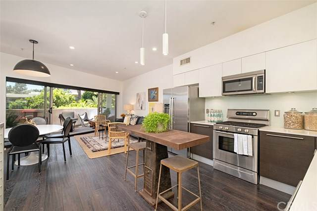 6683 Franklin Avenue #1, North Hollywood, CA 90028 (#LG20101866) :: RE/MAX Innovations -The Wilson Group