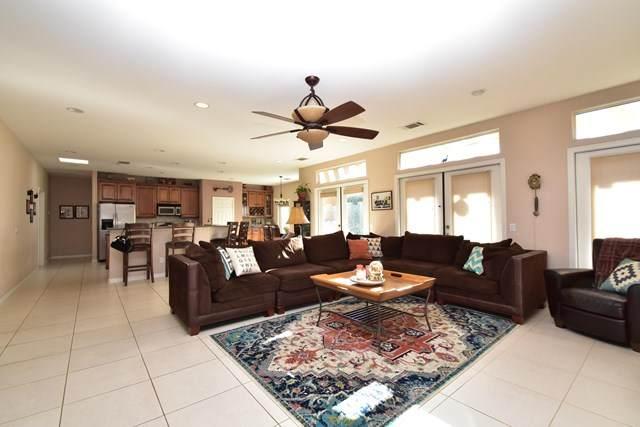48236 Vista De Nopal, La Quinta, CA 92253 (#219043732DA) :: The Laffins Real Estate Team