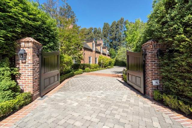 15 Bridle Court, Hillsborough, CA 94010 (#ML81790729) :: Mainstreet Realtors®