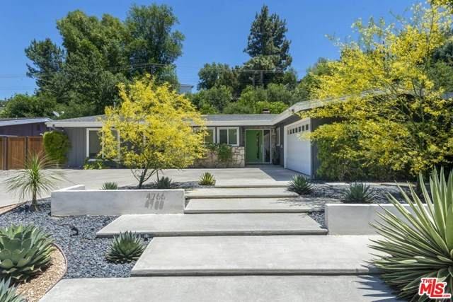 4766 Larkwood Avenue, Woodland Hills, CA 91364 (#20584706) :: The Veléz Team