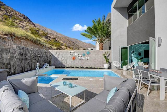 1309 Surrey Lane, Palm Springs, CA 92264 (#219043821PS) :: Provident Real Estate