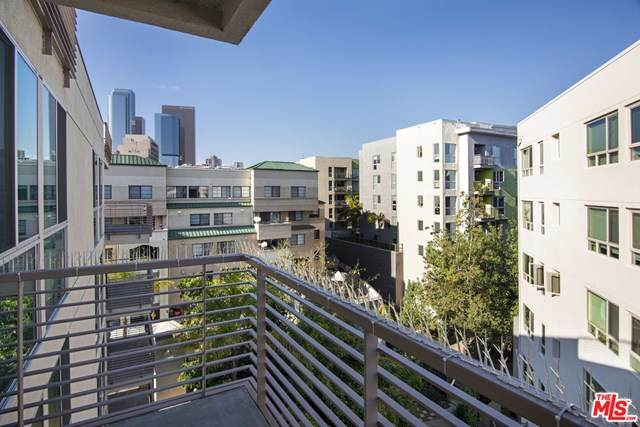 267 S San Pedro Street #610, Los Angeles (City), CA 90012 (#20585406) :: Crudo & Associates