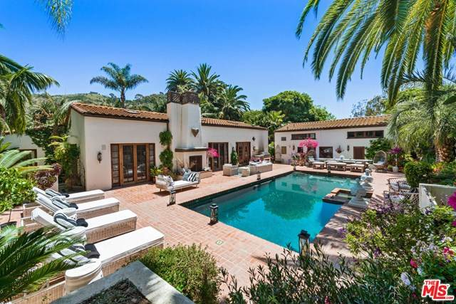 23155 Mariposa De Oro Street, Malibu, CA 90265 (#20585452) :: Berkshire Hathaway HomeServices California Properties