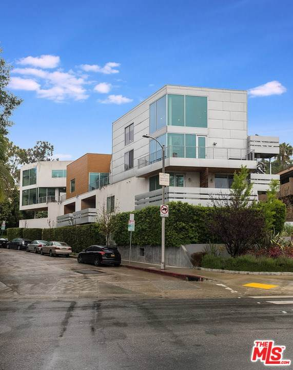 6683 Franklin Avenue #7, Los Angeles (City), CA 90028 (#20585718) :: Rogers Realty Group/Berkshire Hathaway HomeServices California Properties