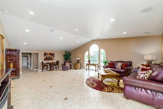 2236 Lone Oak, Vista, CA 92084 (#200025470) :: Z Team OC Real Estate