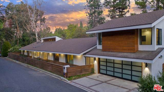 4822 Queen Victori Road, Woodland Hills, CA 91364 (#20586140) :: Compass