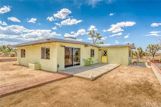 57060 Chipmunk Trail, Yucca Valley, CA 92284 (#JT20108167) :: The Costantino Group | Cal American Homes and Realty