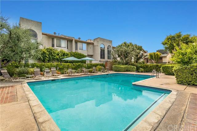 5321 Coldwater Canyon Avenue G, Sherman Oaks, CA 91401 (#SR20105235) :: Blake Cory Home Selling Team